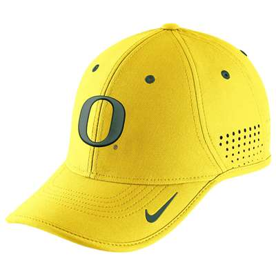 e60556257b8dc Nike Oregon Ducks Dri-FIT Coaches Cap - Yellow