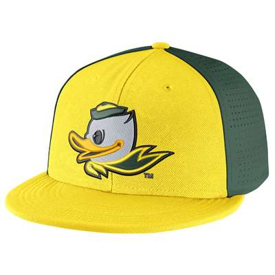Nike Oregon Ducks Players True Swoosh Flex Hat a30dd5f0c196