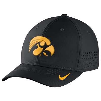 sports shoes 8a19d 61197 Nike Iowa Hawkeyes Vapor Sideline Swoosh Flex Hat
